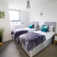 Central & Spacious Maidstone Apartment by ComfyWorkers
