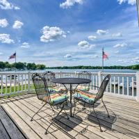 Lakehouse with View, Dock, Sunroom and 2 Decks!, hotel in Paw Paw