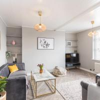 Bright Bethnal Green Apartment