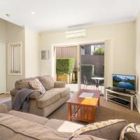 Newcastle Short Stay Accommodation - Birmingham Garden Townhouses, hotel em Newcastle