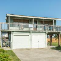 Change in Latitude - Comfortable Kick Back and Relax Beach Bungalow!, hotel in Jamaica Beach, Galveston