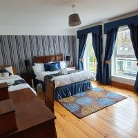 Charming 8-Bedroom House in Dundrum, hotel in Dundrum