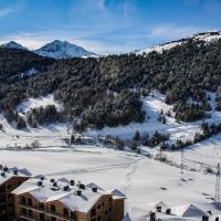 APARTAMENTS COLELLS, hotel in Bordes d´Envalira