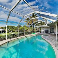Renovated Waterfront Escape - Heated Pool & Dock home, Hotel in der Nähe vom Flughafen Charlotte County - PGD, Punta Gorda