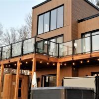 Chalet Serenity - Mont Tremblant Ski - Spa Sauna Wifi TV Privet Chic Modern House, hotel em La Conception