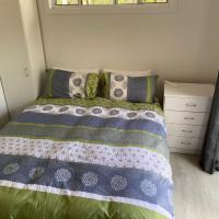 Trees Rd, hotel in Tallebudgera