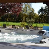 Treetops Cottages & Spa (Exclusive Hire), hotel in Barnetby le Wold
