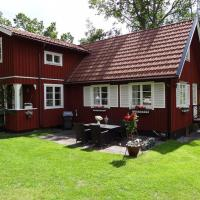 Large family house of 140 sqm close to the sea, hotell i Norrtälje