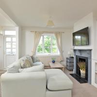 Chic Townhouse in Central Salcombe