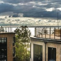 Экологичные апартаменты в 150 метрах от пляжа, hotel in Saint Petersburg