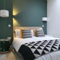 The Taylor Suite - Stunning 2-ensuite beds, Cathedral view roof garden