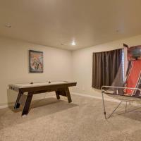 *Pet Friendly Upscale! 6 Bdrm Home! w/ Game Room!*, hotel in Colorado Springs