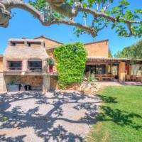 Sitges Villa Sleeps 18 Pool WiFi, hotel en Viladellops