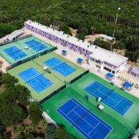 Cancun Tennis Inn, hotel in Cancún