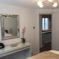 Harpenden House Apartment 3 Quality 2 bedroom spa