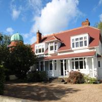Beautiful 5 Bedroom House overlooking the Thames, hotel in Maidenhead