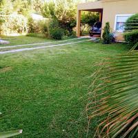 Casa a 5 km de Villa de Las Rosas, hotel en Las Tapias