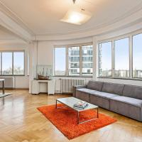 De Rotonde - Panoramic Apartment next to Antwerp Expo, hotel in Antwerp
