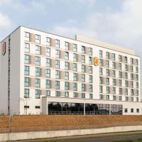 Super 8 by Wyndham Oberhausen am Centro, hotel in Oberhausen