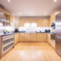 Bay View, by Tŷ SA - Luxury 2 Bed Apartment. Best Location in Cardiff Bay!