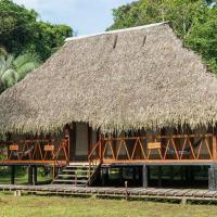 Nicky Amazon Lodge, hotel em Marian