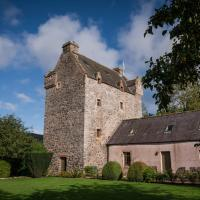 Bowhill Chateau Sleeps 10 WiFi