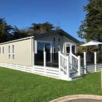6 berth luxury lodge in Christchurch Dorset