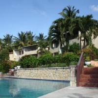 Attractive 2-Bed Apartment stunning sea view, hotel in Dickenson Bay