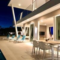 Villa CasaBella 180 Ocean View with Private Pool, hotel in Willibrordus