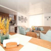 Cozy Apt with Office - 30' from the AIRPORT, hotel en Madrid