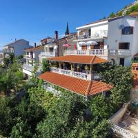 Apartments Sungarden, hotel in Drage