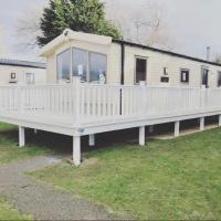 Kiln Park, Tenby, Caravan for hire - Caldey View, hotel in Pembrokeshire