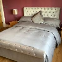 King's Suite at The Copthorne, Colwyn Bay, LL29 7YP, hotel in Colwyn Bay