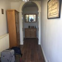 Hill house 3 bedroom serviced apartment, hotel in Aspatria