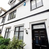 NEW Bespoke 2 BED Town Centre Serviced Apartment