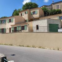 Maison avec terrasse 3min du lac Esparron/verdon, hotel in Esparron-de-Verdon