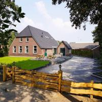 Beautiful Holiday Home in Heino with Swimming Pool, hotel in Heino