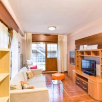 ¡Nuevo! Cómoda y coqueta casa con jardín, hotel in Galizano