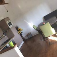 Gîte Sunflower, Chevaux et chiens la bienvenue, hôtel à Montaigu-de-Quercy