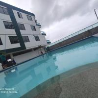 Puerto Bari Castellnuovo Tonsupa Atacames, hotel em Castelnovo