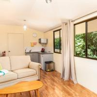 King Parrot Apartment set amid the beautiful & peaceful rainforest with garden views - pets welcome, hotel em Chilverton