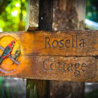 Relaxing Rosella Cottage with beautiful river views, hotel in Chilverton