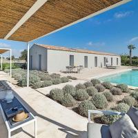 Gilestra I Villa Sleeps 6 Pool Air Con WiFi, hotel a Scuola