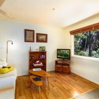 Peaceful Platypus Cottage with beautiful river views - pets welcome, hotel em Chilverton