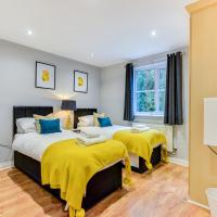 Comfortable ground floor flat sleeps 4-6 with private parking by Sussex Short Lets