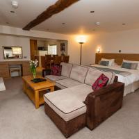 Porthole Suites, hotel in Saint Aubin