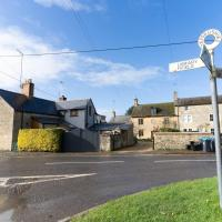 Impeccable 2-Bed Apartment in Chipping Norton, hotel in Idbury