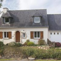 Charming holiday home with nice garden and only 5 km from the Breton beach!