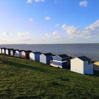 Whitstable Caravan - 5 minutes away from the beach