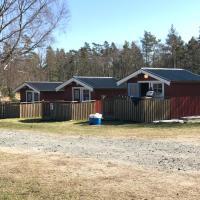 Naturnära boende i mysig campingstuga, hotel in Olofstorp